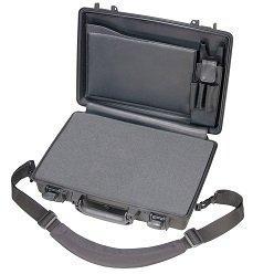 twarda torba na laptopa