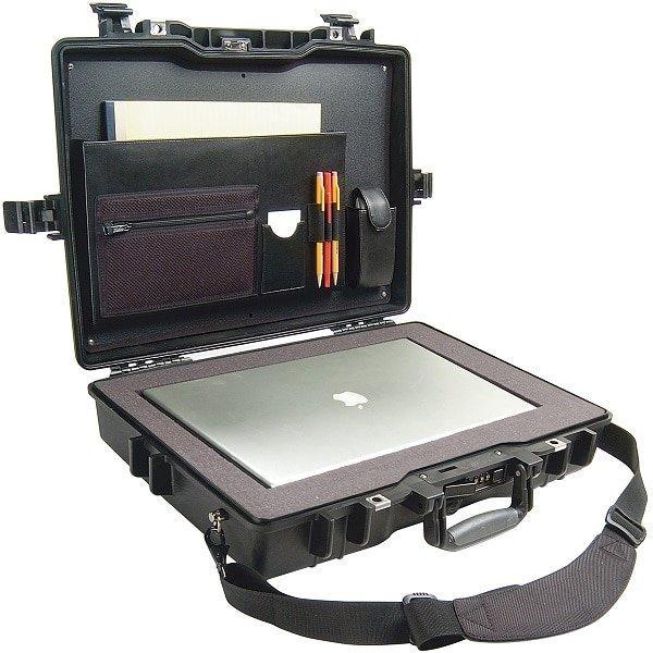 twarda walizka na laptopa