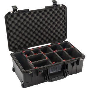 Twarda walizka z kółkami