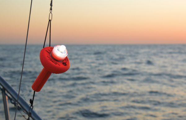 Morska pływka SOS